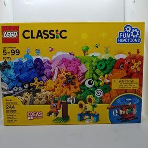 NWT - Retired Classic Lego Set 10712 - 244pcs
